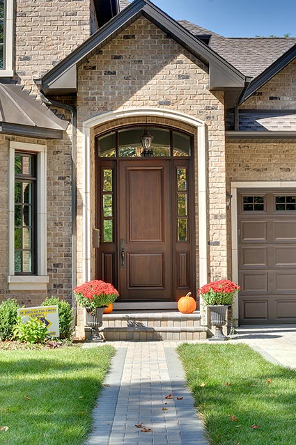 124-Berry-Park-Ridge - Entry-Door - Globex Developments Custom Homes