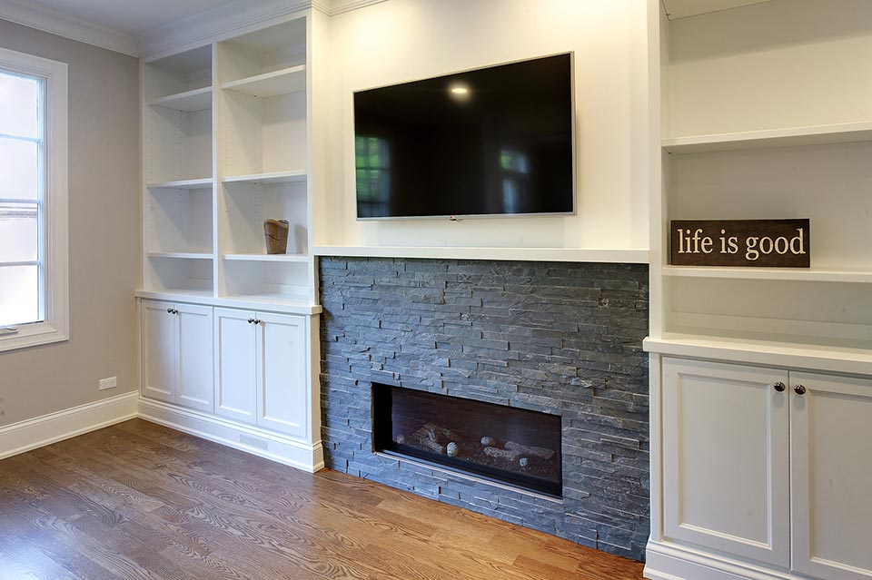 124-Berry-Park-Ridge - Family-Room-Fireplace - Globex Developments Custom Homes