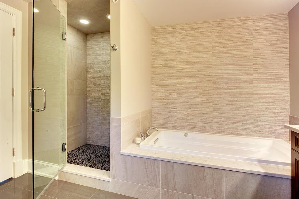 124-Berry-Park-Ridge - Master-Bathroom-Shower-View - Globex Developments Custom Homes