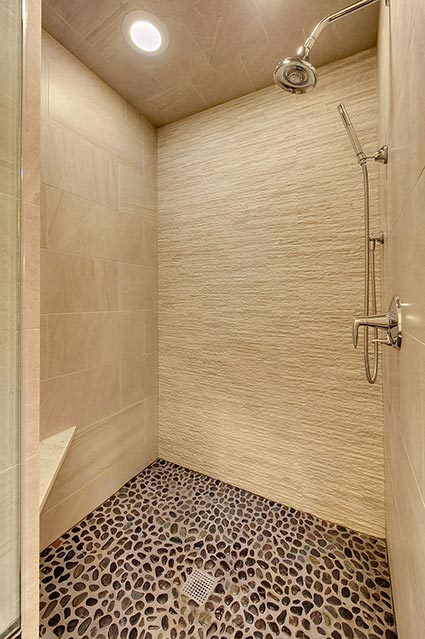 124-Berry-Park-Ridge - Master-Bathroom-Shower - Globex Developments Custom Homes