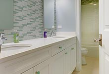 124-Berry-Park-Ridge - Child Bathroom - Globex Developments Custom Homes