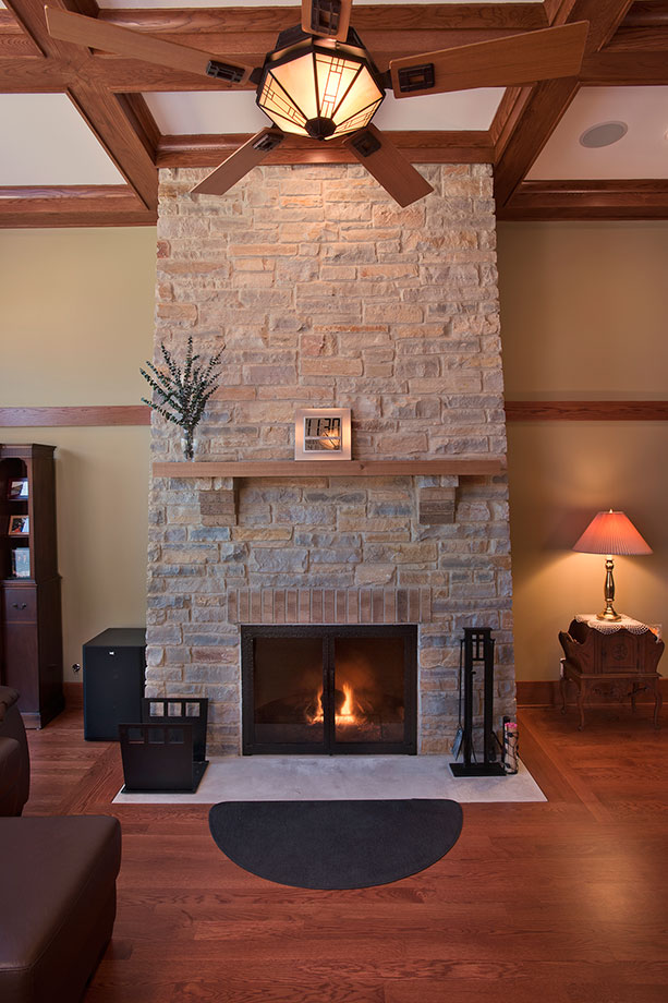 14-Casa - FireplaceVertical - Globex Developments Custom Homes