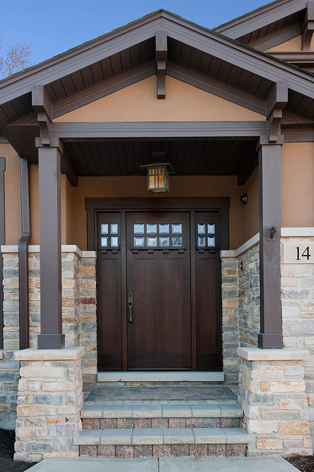14-Casa - FrontEntryDoor - Globex Developments Custom Homes