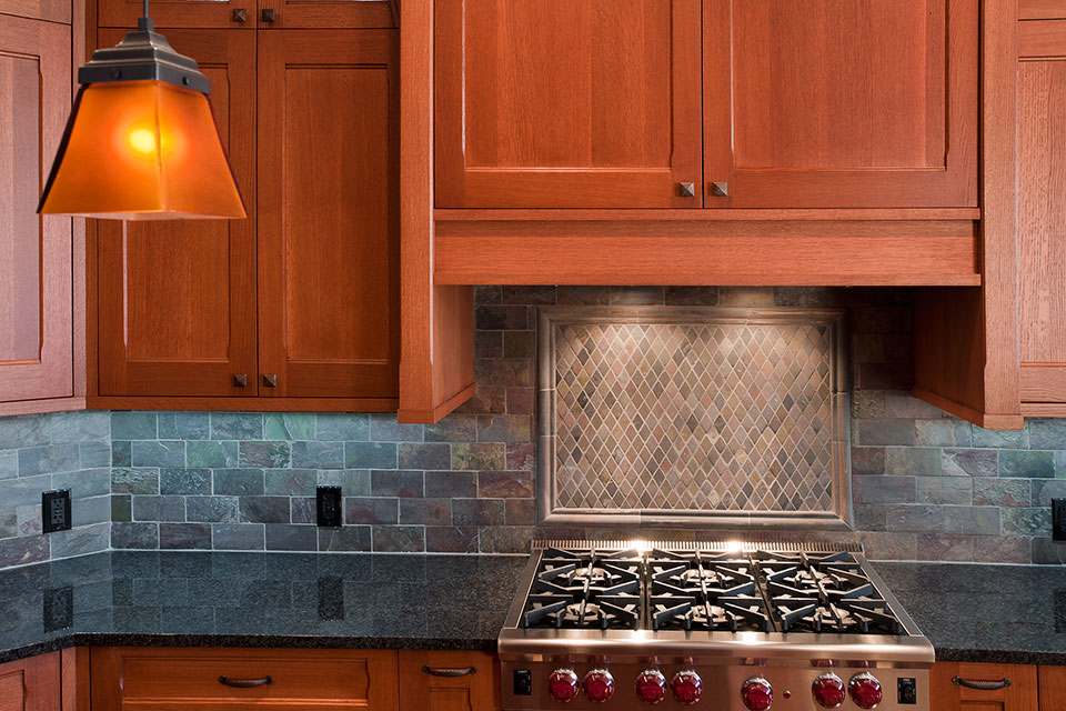 14-Casa - Kitchen-Backsplash - Globex Developments Custom Homes