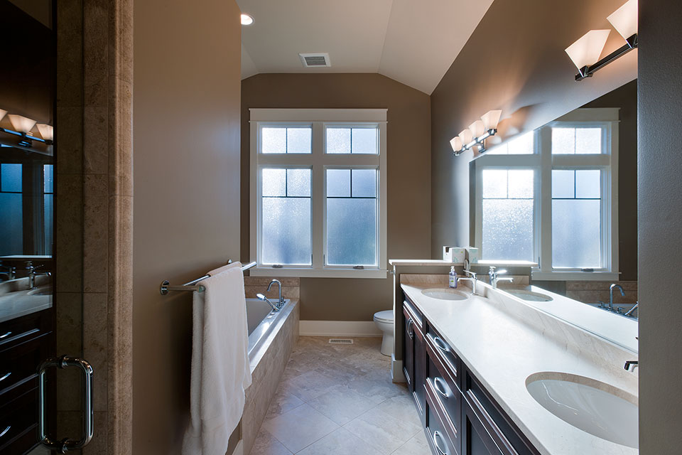 14-Casa - MasterBathroom - Globex Developments Custom Homes