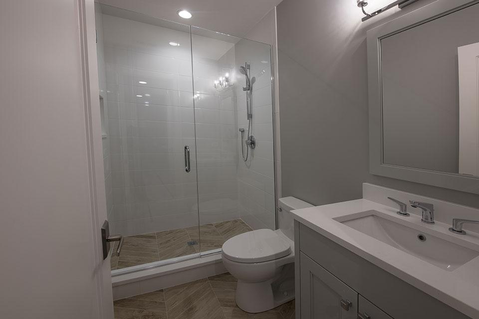 1429-Pleasant-Glenview - Basement Bathroom - Globex Developments Custom Homes