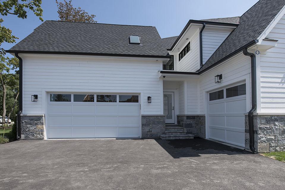 1429-Pleasant-Glenview - House-Garage-View - Garage Door Gallery