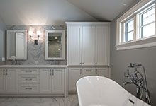 1429-Pleasant-Glenview - Master Bathroom Tub, Custom Cabinets - Globex Developments Custom Homes