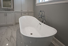 1429-Pleasant-Glenview - Master Bathroom Tub Closeup - Globex Developments Custom Homes