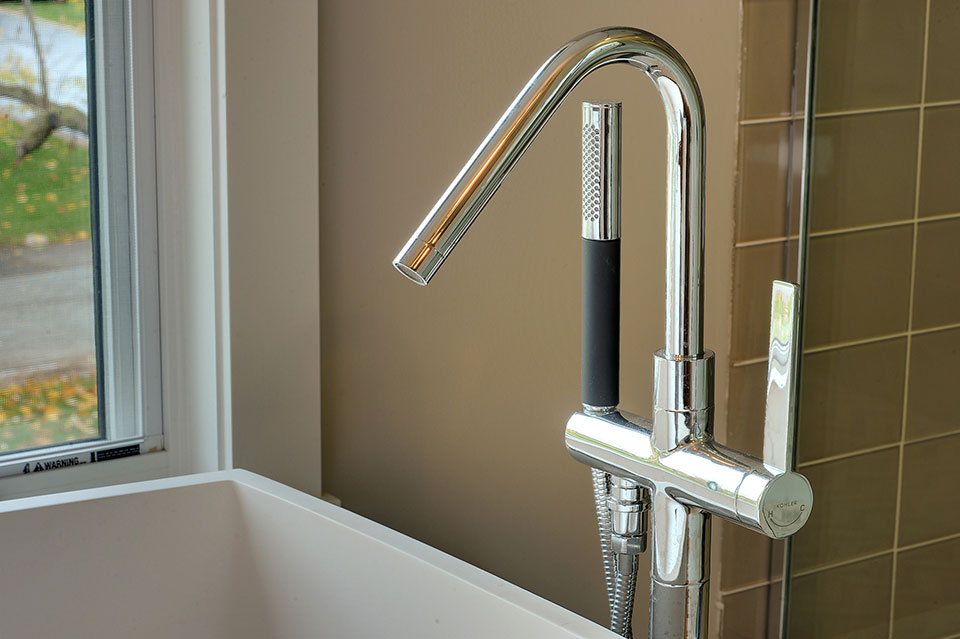 1431-Meadow-Glenview - Faucet-Detail - Globex Developments Custom Homes