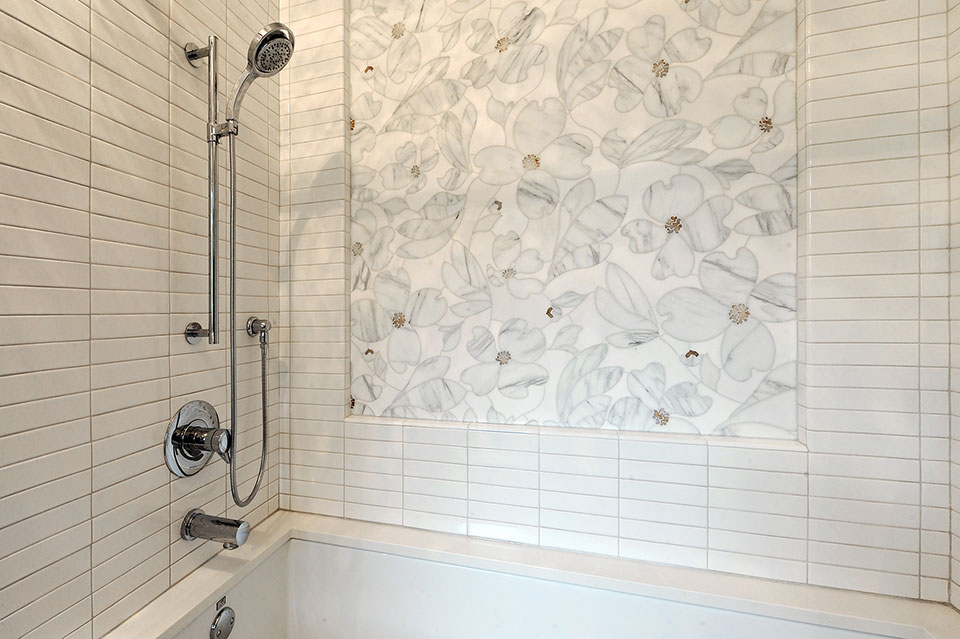 1431-Meadow-Glenview - JackJill-Shower - Globex Developments Custom Homes
