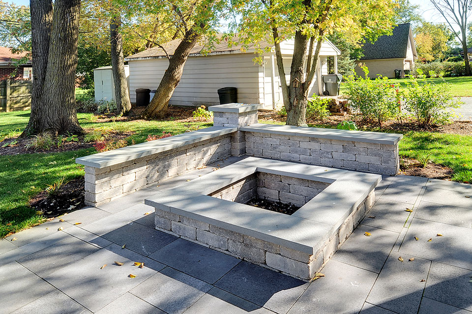 1431-Meadow-Glenview - Patio-FirePit - Globex Developments Custom Homes