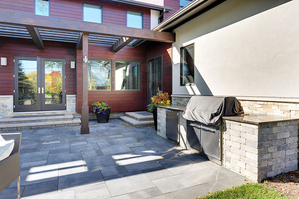 1431-Meadow-Glenview - Patio-Walkway - Globex Developments Custom Homes