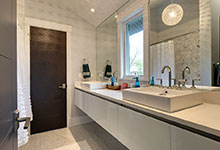 1431-Meadow-Glenview - JackJill Bathroom - Globex Developments Custom Homes