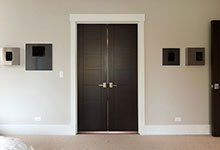1431-Meadow-Glenview - Master Bath Doors - Globex Developments Custom Homes