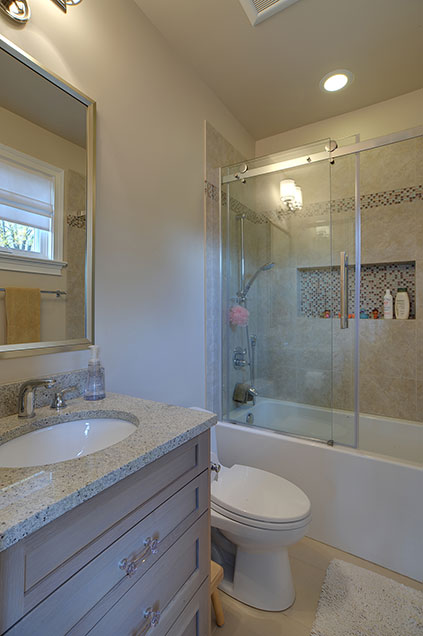 1444-Greenwood-Deerfield - bathroom-detail-1 - Globex Developments Custom Homes