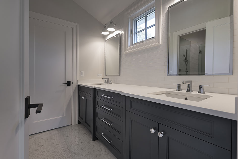 1444-Hawthorne-Glenview - Bathroom,-Vanity - Globex Developments Custom Homes