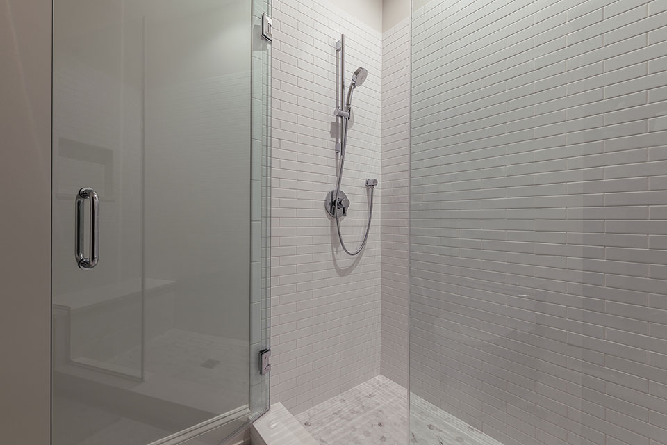 1444-Hawthorne-Glenview - Bathroom-Shower - Globex Developments Custom Homes