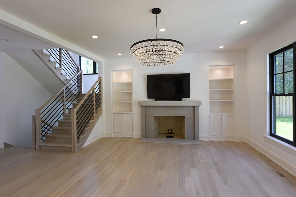 1444-Hawthorne-Glenview - Family-Room,-View-with-Stairs-and-Windows - Globex Developments Custom Homes