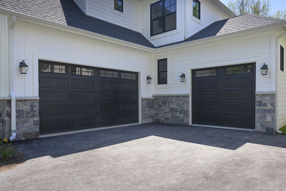1444-Hawthorne-Glenview - Garage-Doors - Globex Developments Custom Homes