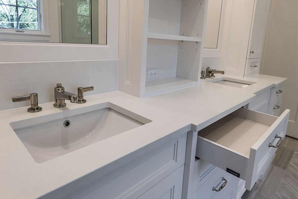 1444-Hawthorne-Glenview - Master-Bathroom-Cabinets,-Open-Drawer - Globex Developments Custom Homes