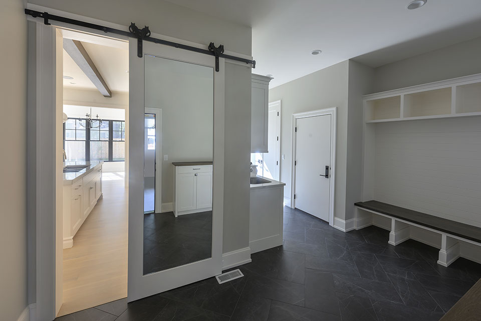 1444-Hawthorne-Glenview - Mudroom,-Bar-Door - Globex Developments Custom Homes