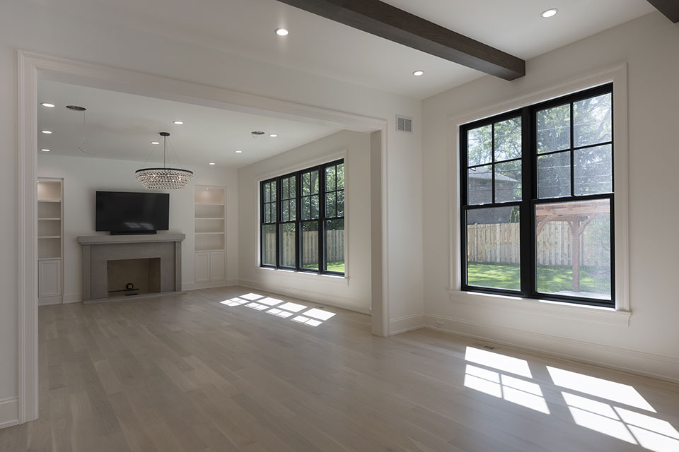 1444-Hawthorne-Glenview - Windows,-Living-Room - Globex Developments Custom Homes