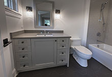 1444-Hawthorne-Glenview - Guest Bathroom - Globex Developments Custom Homes