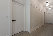 1444-Hawthorne-Glenview - Hallway, Paint Grade Interior Doors - Globex Developments Custom Homes
