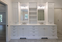 1444-Hawthorne-Glenview - Master Bathroom Cabinets - Globex Developments Custom Homes