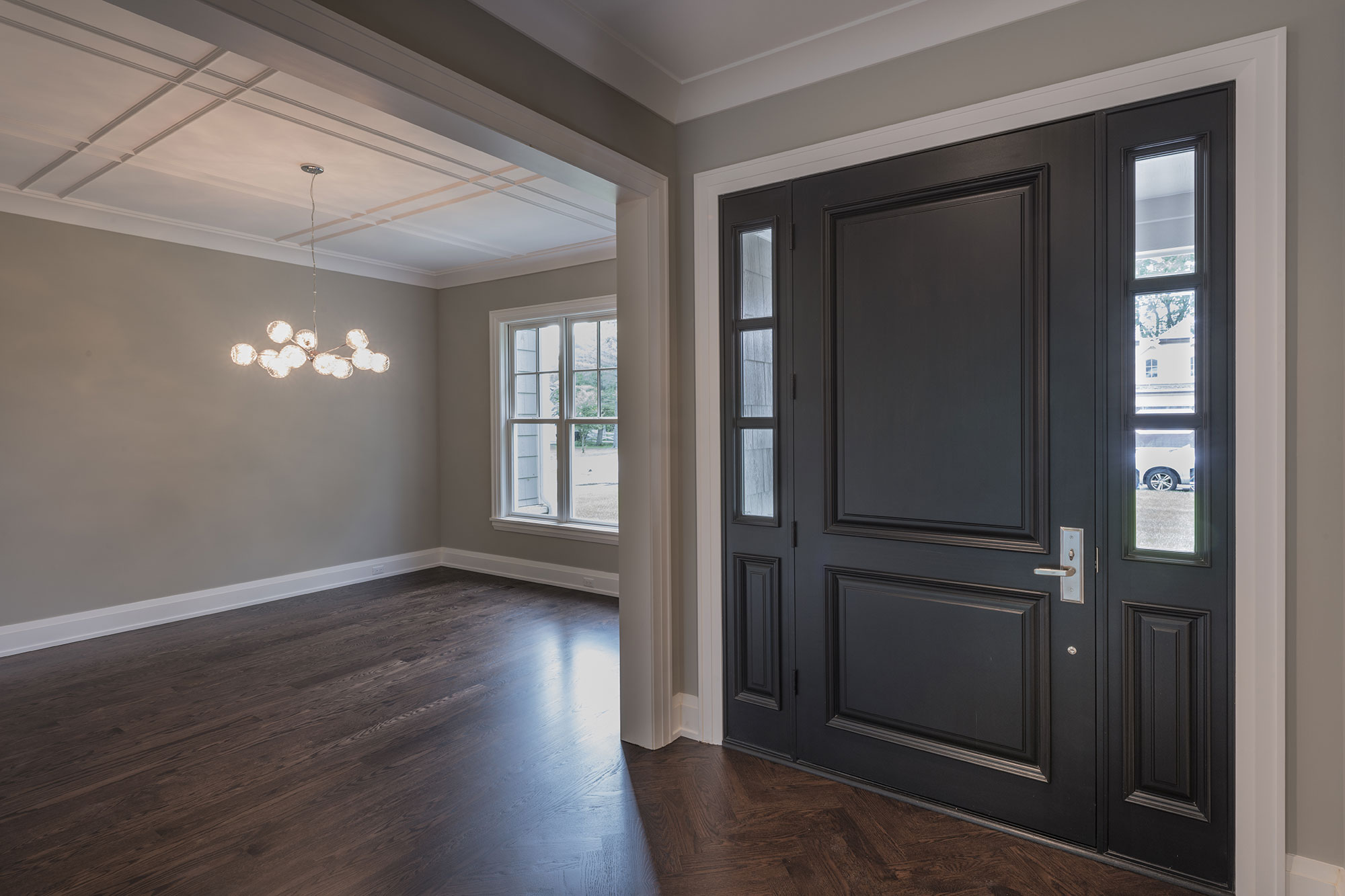 1525-Canterbury-Glenview - Front-Doors,-Sitting-Room-View - Globex Developments Custom Homes