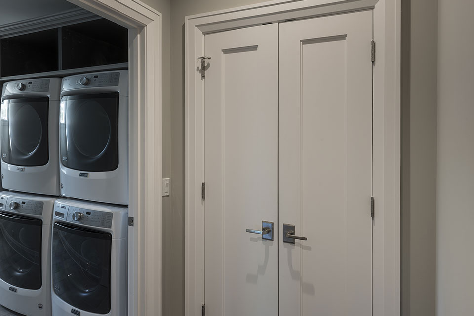 1525-Canterbury-Glenview - Closet-Double-Doors,-Laundry-Entrance - Globex Developments Custom Homes