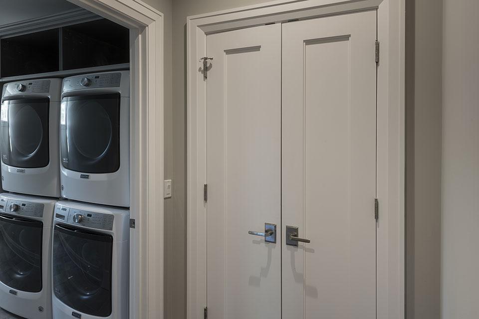 1525-Canterbury-Glenview - Closet Double Doors, Laundry Entrance - Globex Developments Custom Homes