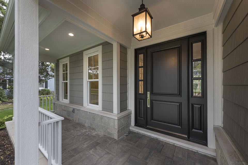 1525-Canterbury-Glenview - Front Door CloseUp - Globex Developments Custom Homes