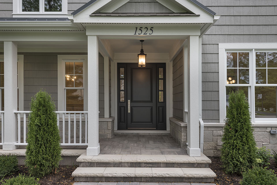 1525-Canterbury-Glenview - Front-Door - Globex Developments Custom Homes