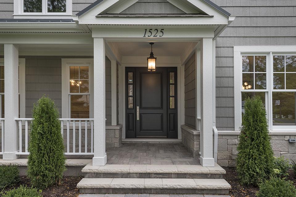 1525-Canterbury-Glenview - Front Door - Globex Developments Custom Homes