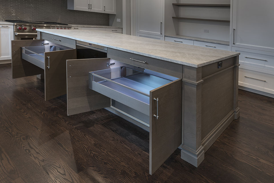 1525-Canterbury-Glenview - Kitchen-Island-Drawers-with-Light - Globex Developments Custom Homes