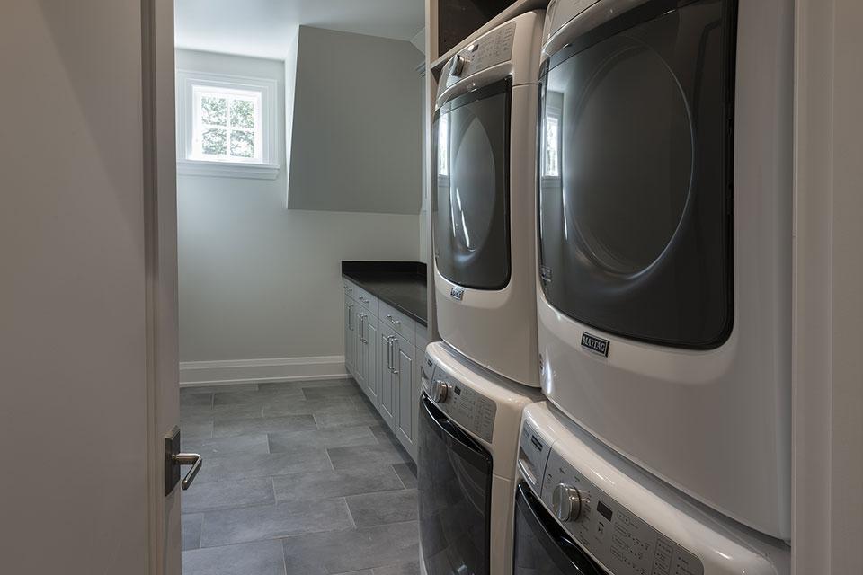 1525-Canterbury-Glenview - Laundry, Second Floor - Globex Developments Custom Homes