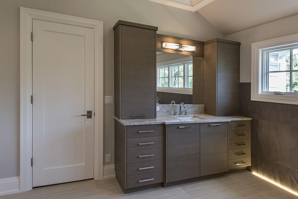 1525-Canterbury-Glenview - Master Bathroom Second Vanity - Globex Developments Custom Homes