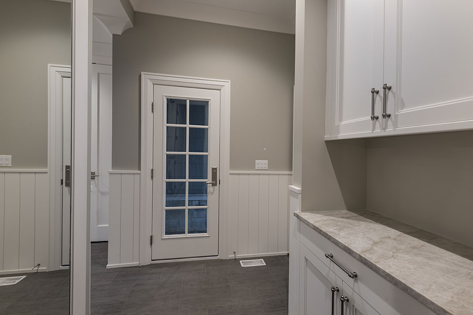 1525-Canterbury-Glenview - Mudroom-Entry-Door - Globex Developments Custom Homes