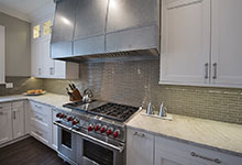 1525-Canterbury-Glenview - Kitchen Backsplash, Stove - Globex Developments Custom Homes