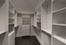 1525-Canterbury-Glenview - Master Bedroom Closet - Globex Developments Custom Homes