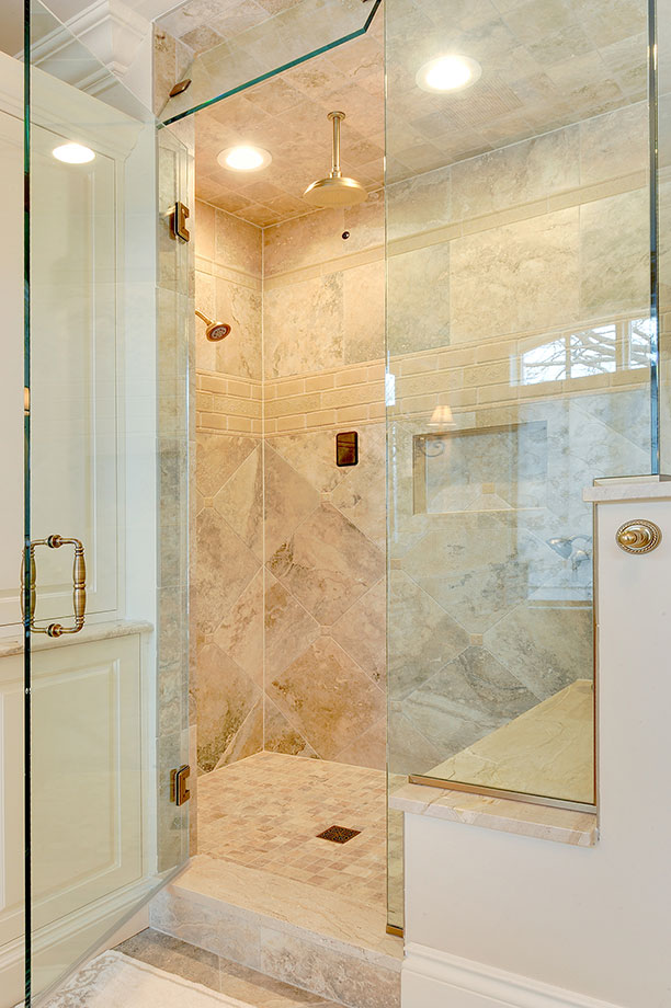 1620-Meadow-Glenview - Master-Shower-Entry - Globex Developments Custom Homes