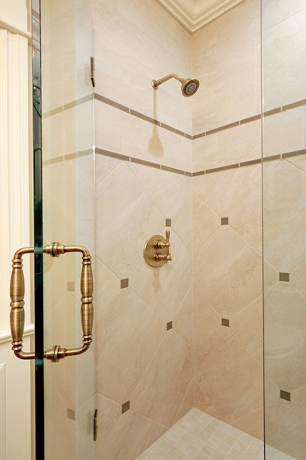 1620-Meadow-Glenview - guest-shower - Globex Developments Custom Homes