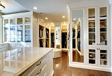 1620-Meadow-Glenview - Master-Closet-Entry - Glenview Haus Gallery