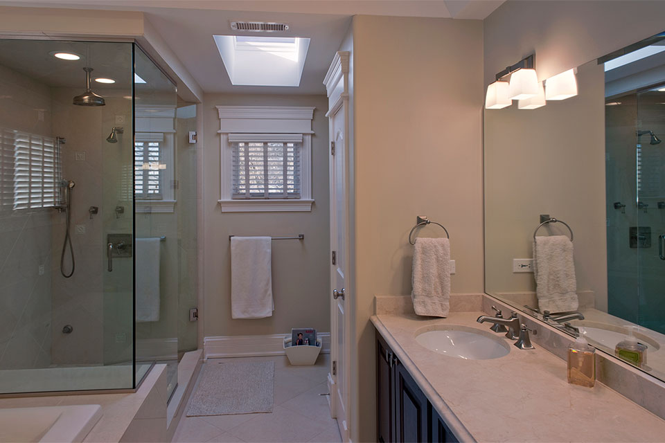 1909-Larkdale - MasterBathroom - Globex Developments Custom Homes