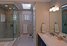 1909-Larkdale - Bathroom - Globex Developments Custom Homes