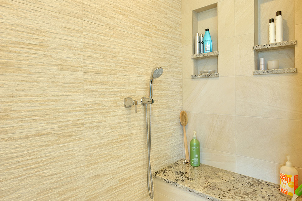 1924-Alexandria-Ct-Northbrook - Master-Bathroom-Shower-Detail - Globex Developments Custom Homes