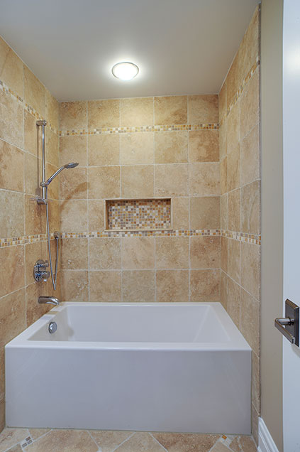 1929-Palmgren-Glenview - bathroom-shower - Globex Developments Custom Homes