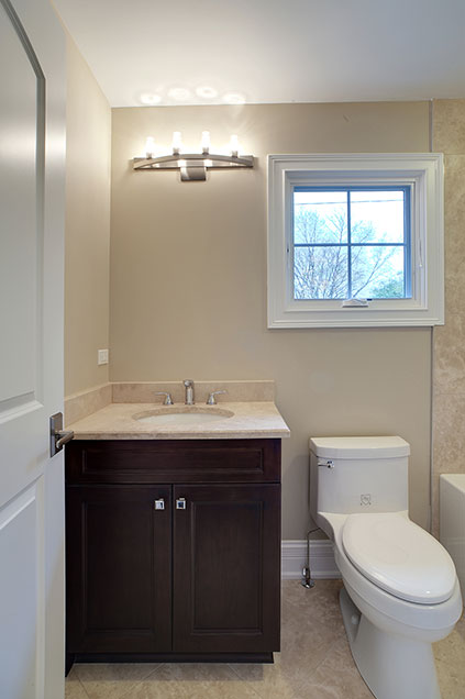 1929-Palmgren-Glenview - guest-bathroom - Globex Developments Custom Homes